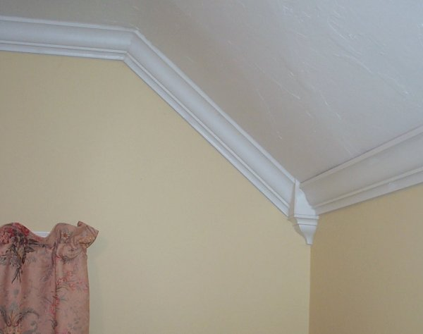 crown molding corner blocks for vaulted and cathedral type ceilings ...